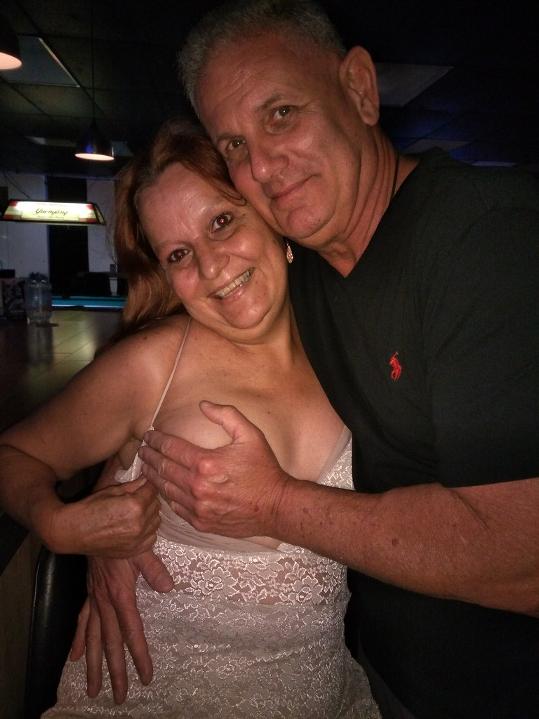 Wife Shows Tits In Public