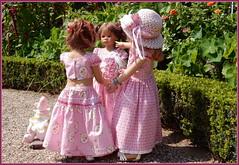 Treffpunkt Schlossgarten ... (Kindergartenkinder) Tags: schlossanholt annemoni milina dolls himstedt annette park kindergartenkinder sommer wasserburg margie isselburg