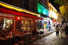 Paris, Montmartre, place du tertre, 14/08/2017 (jlfaurie) Tags: paris france francia familia ramirezmarquez mechas mpmdf jlfr jlfaurie pentaxk5ii montmartre placedutertre artiste artista artist peinture dessin painting drawing pintura sacrécoeur