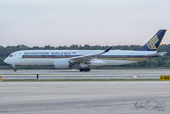 Singapore Airlines Airbus A350-941 (9V-SMG) (Michael Davis Photography) Tags: kiah iah houston houstontexas houstonairport singaporeairlines airbus airbusa350 a350 9vsmg aviation photography flight jet airplane takeoff departure runway staralliance travel outdoor