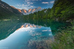 Lago di Fusine - Fusine (Captures.ch) Tags: 2017 alps black blue brown clear clouds evening fusine gras gray house july lago lagodifusine lake mountains orange perfect red reflection sky sunset travel trees water white yellowflowers