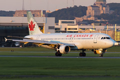 Air Canada A320 C-FDSU, 28-Jul-2017 (Sergey Kustov) Tags: canada montreal trudeau airport airfield ramp apron taxiway runway evening sunset afternoon night airplane aircraft aviation flight arrival landing jet airbus air a320 cfdsu