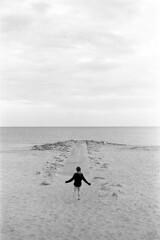 Untitled (MJD & MJD) Tags: poole studland leica iiig 5cm elmar 35 kodak tmax kodaktmax400 film beach blackandwhite