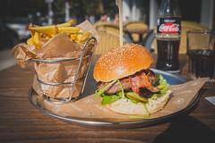 "Foodporn (2) Knoppers Edition: ""Butcher's Burger"" (DOKTOR WAUMIAU) Tags: ishootraw foodporn fuji fujifilm fujilove fujixt20 lightroom pommes xf1855 xt20 fhain bbb friedrichshain burger iatethis 500px"