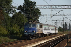 PKP IC EP07-1041 , Lipno Nowe train station 24.08.2017 (szogun000) Tags: lipno poland polska railroad railway rail pkp station lipnonowe engine locomotive lokomotywa локомотив lokomotive locomotiva locomotora electric elektrowóz ep07 ep071041 pkpic pkpintercity train pociąg поезд treno tren trem passenger tlk 54106 beskidy d29271 e59 wielkopolskie wielkopolska greaterpoland canon canoneos550d canonefs18135mmf3556is