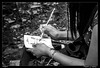 Papel y lapiz (Montse Estaca) Tags: usa unitedstates estadosunidos eeuu manhattan newyork nuevayork themetropolitanmuseumofart metropolitanmuseum museo museum bw bn bianco blanco black negro nero white papel lapiz pen paper cuaderno libreta notebook donna mujer woman carta portamina lapicero busto taccuino pelo hair pulseras movil telefono mochila telephone mobile backpack zaino phone capelli bracciali bracelets bust hands manos mani