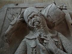 ca. 1345-1350 - 'knight, probably Werner Falk(e) (Falcke) von Munsweiler (+after 1333)', Église Notre-Dame de l'Assomption, Rouffach, dép. Haut-Rhin, France (RO EL (Roel Renmans)) Tags: 1340 1345 1350 knight ritter ridder chevalier caballero cavaliere werner falk falke falcke rouffach elzas alsace elzass church église kirche kerk iglesia armor armure armour harnas harnisch rüstung armadura armatura bascinet bacinet camail aventail coatofplates plattenrock hauberk kettenhemd cotte de mailles vervelles heaume great helm helmet topfhelm gran yelmo poleyn surcotte surcoat wappenrock waffenkleid waffenrock mamelieres chain ketten sword dagger notre dame l assomption tomb effigy tombeau grabmal efigie grafbeeld shield ecu wappen waffen