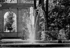 Friedrichshain und sein Park (Gerrit Berlin) Tags: 10243 architecture berlin city friedrichshain fuji fujixt1 gebäude hauptstadt impressionen ostberlin schnappschuss sommer stadt urban abend citylights evening lights stadtlichter