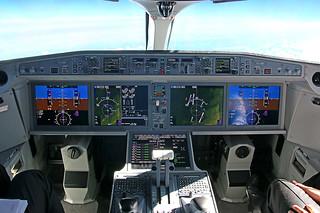 Cockpit Bombardier CS300 Air Baltic