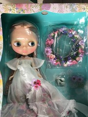 Oh JOY!!! Garden of Joy arrived here in record time!! Doesn't she look so sweet with her hair nicely tucked away? But I have to face that mass so I'll post when I do.