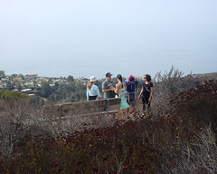 002 The Bench At The East Topanga Fire Road Junction (saschmitz_earthlink_net) Tags: 2017 california topangacanyon statepark losangeles pacificpalisades losangelescounty santamonicamountains hike hiking trail loslionestrail road easttopangafireroad bench family ocean pacificocean