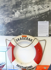 A lifebelt from the ferry M/S Skagerak that sank in 1966 Springeren Maritimt oplevelsescenter, 16. september 2017. Foto: Per Ryolf (perryolf) Tags: fotoperryolf aalborg springerenmaritimtoplevelsescenter ubåd mtb torpedobåd ship ships schiff schiffe skibe skib marinemuseum