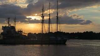 Rostock harbour: Sunset on boats