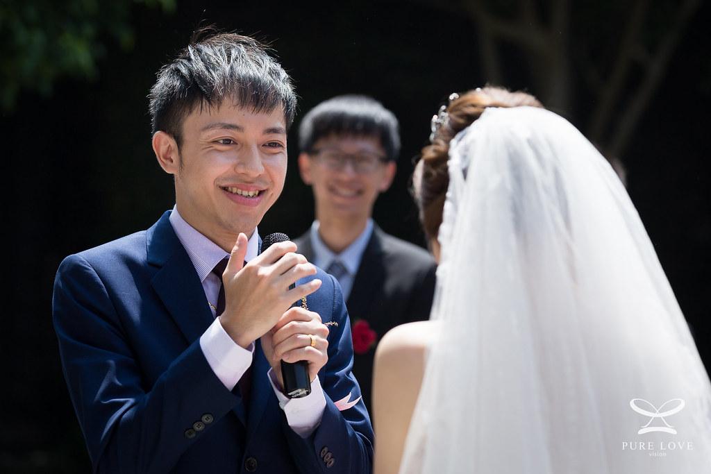 瞬間抓拍是婚禮攝影重要技巧