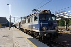 EU07-013 (paw-mor) Tags: pkp pkpintercity intercity train loco trainspotting rail railway poland poznan poznanglowny pafawag 4e hcp 303e eu07013