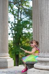 Columnas (Lorena Hoyos Fotografía) Tags: kids niños fotografía infantil retrato portrait fairy fairytale hada cuento capricho madrid