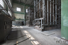 (Parzival-) Tags: industry metal industrie factory abandoned decay marode urbex verfall ruine lost place antique stairs neglected architektur architecture canon parzival verlassen forgotten abdandonato room forbidden old building past glory verlassend orte urban forsaken zerfall alt