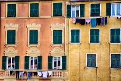 Bucato alto e basso (Gianni Armano) Tags: bucato alto basso liguria colori palazzi foto gianni armano photo flickr
