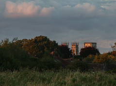 York Minster from Hob Moor at sunset, August 2017 (nican45) Tags: 05082017 2017 5august2017 70200 70200mm august canon dslr ef70200mmf28lisusm eos70d goldenhour hobmoor minster sigma yil york yorkincidentlight evening photography project sky sunset