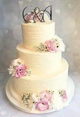 Textured Buttercream Fresh Flower Wedding Cake