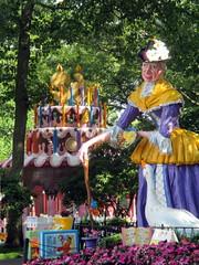 Mother Goose's Cake (BunnyHugger) Tags: amusementpark birthdaycake eggharbor mothergoose newjersey pavilion picnic storybookland