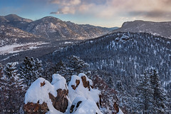Winter Overlook of Horseshoe Park (Matt Thalman - Valley Man Photography) Tags: colorado horseshoepark manyparkscurve nationalpark rmnp rockymountainnationalpark cold cool forest landscape mountain mountains snow snowscape snowy trees winter