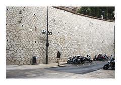 _JP25754 (Jordane Prestrot) Tags: jordaneprestrot málaga espagne españa spain août 2017 agosto august ♍ andalousie andalucía andalusia scooter moto bike people gens gente passants bystanders transeúntes alcazaba