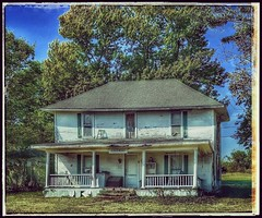 Facing another fall... (Sherrianne100) Tags: rural fall dilapidated oldhouse ozarks missouri abandoned