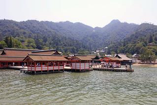 厳島神社満潮時