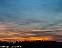 Atardecer en la expo (Ana Eloysa) Tags: atardecer atardece silueta sky skyclouds skyline contraste contraluz naranja azul nubes atardeciendo negro zaragoza aeloysa anaeloysa