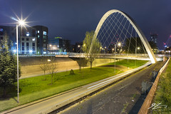 Inner Universe (Tim van Zundert) Tags: hulmearchbridge hulme manchester greatermanchester northwestengland architecture urban city bridge road streetlight night evening longexposure sony a7r voigtlander 21mm ultron