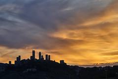 Dark against Light (hbothmann) Tags: sangimignano toskana italien tuscany toscana wolken clouds sunset sonnenuntergang sonnar13518za sonnart18135 a availablelight sony