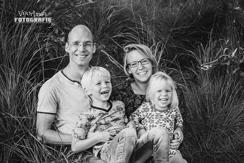 0821 Familieshoot Assen (Voortman Fotografie) WEB-11