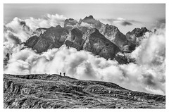 Call It Dreaming (lichtbildung - sapere_aude) Tags: berge mountains dolomiten dolomitealps wolken clouds pentaxk5 100mm menschen people italy italien südtirol southtyrol