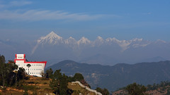 Heavenly backdrop! (draskd) Tags: chaukori uttarakhand india asia nikond7100 landscape mountainscape hotel panchachuli draskd panchachulirange