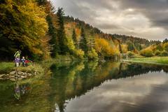 REFLEJOS (inaxiotejerina) Tags: navarra nafarroa navarre irati salazar zaraitzu pirineos pyrénées pyrenees pirinioak pirineonavarro lago lake reflejo reflection otoño autumn fall udazkena
