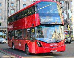 Metroline Travel . VWH2299 LK17DFX . Marble Arch , London . Thursday 31st-August-2017 . (AndrewHA's) Tags: bus london marblearch metroline travel volvo b5lh hybrid wrightbus eclipse gemini 3 lk17dfx tfl route 7 oxford circus east acton new vehicle