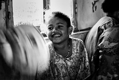 Happiness in New Caledonia (rvjak) Tags: child enfant kid girl fille smile sourire joie bonheur happiness happy noir blanc black white bw nouvellecalédonie d200 nikon
