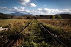 Val d'Orcia, Siena, Toscana, Italy (Gregorio9) Tags: campo paesaggio italia toscana siena valdorcia treno binari campagna