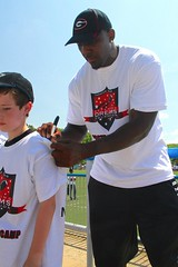 "thomas-davis-defending-dreams-foundation-0234 • <a style=""font-size:0.8em;"" href=""http://www.flickr.com/photos/158886553@N02/36995642266/"" target=""_blank"">View on Flickr</a>"