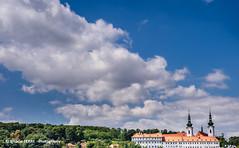 Strahov Monastery, Prague #5 (Ignacio Ferre) Tags: prag praga prague praha czech czechrepublic checoslovaquia repúblicacheca bohemia moravia nikon monasterio monastery church iglesia cielo sky nube cloud strahovmonastery chequia
