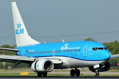 PH-BGD (AnDyMHoLdEn) Tags: klm 737 egcc airport manchester manchesterairport 05r