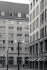 20170826-_DSC2612 (A/D-Wandler) Tags: leipzig architektur blackandwhite bw fassade fenster stadt seriell perspektive fluchtpunkt gebäude