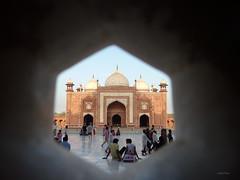 The Taj Mahal mezquita (Isabel-Valero) Tags: tajmahal taj mahal mezquita travel agra india 7wonders wonders monument