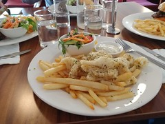 05Aug17 I had salt and pepper squid with chips and salad. Was lovely! #latergram #lunch