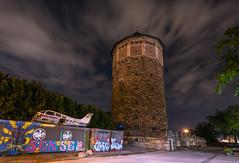 Wasserturm Hannover (frankwinkler1969) Tags: hannover wasserturm nacht dunkel night wolken flugzeug turm
