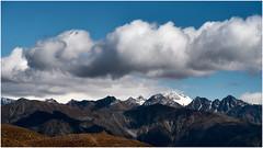 wolken - berge #5 (gerhard.haindl) Tags: 14xp0821v4 landscape landschaft berge mountain peaks sky blue clouds himmel schnee blau weis berg vinschgau südtirol white snow xf