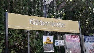 Kidderminster Station gold sign
