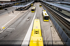 Yellow and shadow @ Moreelse Park (Utrecht Hoog Catharijne) (PaulHoo) Tags: yellow color wideangle hoog catharijne utrecht city lines shadow pattern 2017 fujifilm x70 bus busstation station urban holland netherlands
