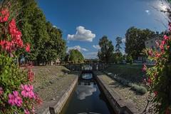 Chatillon sur Loire - l'écluse de Mantelot (oudjat45) Tags: chatillonsurloireléclusedemantelot fleur ecluse canal briare eau ciel fisheye nikon d750 nature fleurs arbres grandangle